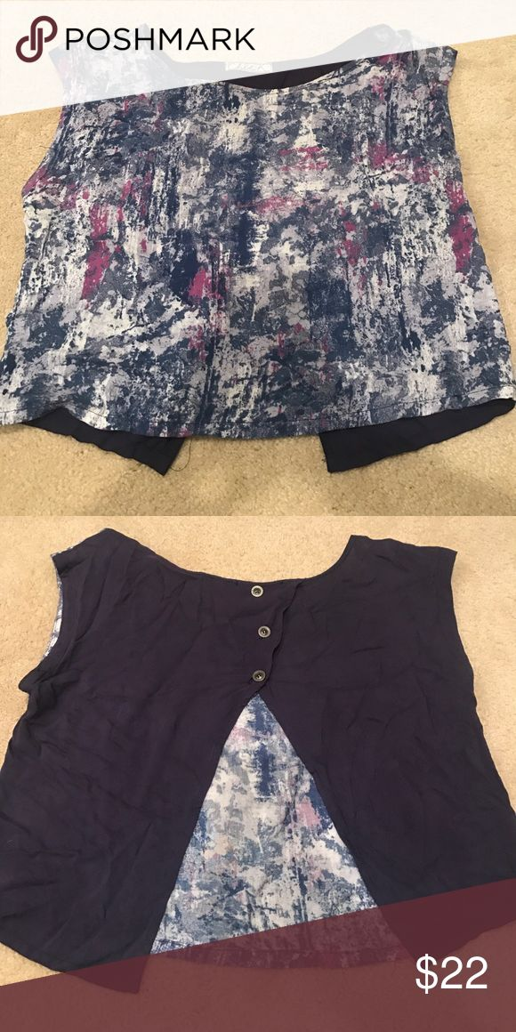 Cropped top Multi-colored crop top with open back Tops Tees - Short Sleeve