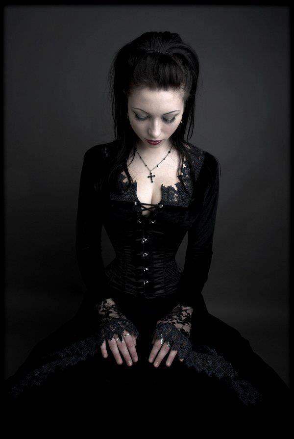 Gothic girl dating-website