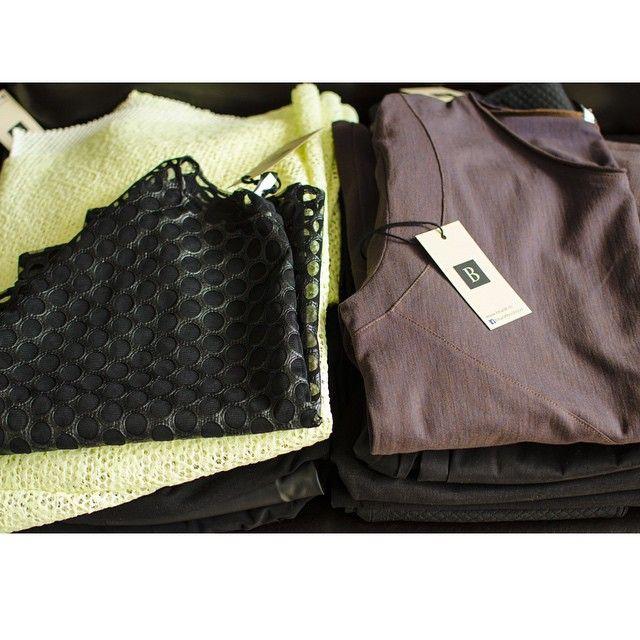 Cine e din Craiova se poate considera norocos. Cateva articole din noua colecție Bluzat vor fi găsite, in avanpremiera, la Style Affairs Image Store & more începând de Sambata 28.03.2015. #store #bluzat #onlineshop #fashion #modaurbana #craiova #romania #bucuresti
