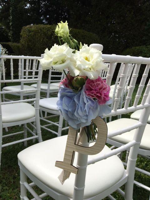 Domaine des Cèdres, Cérémonie laïque en extérieure, Décoration Florale sur les chaises