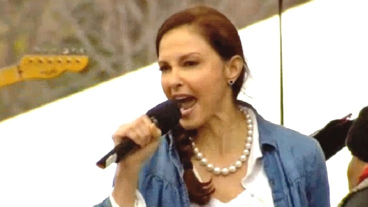 "Ashley Judd's EPIC ""Nasty Woman"" Speech At The Women's March On Washington.    Ashley Judd passionately denounces President Donald Trump's misogyny at the 2017 Women's March on Washington by reciting Nina Donovan's ""I Am A Nasty Woman"" poem."