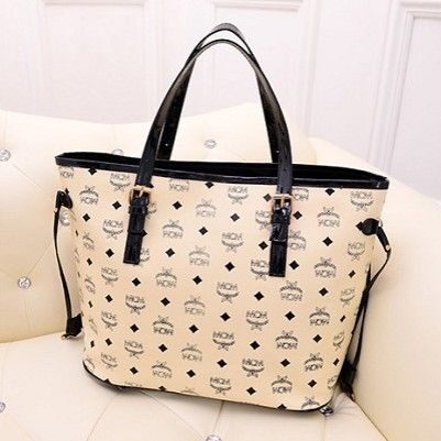 "@cs.ordersis's photo: ""Handbag : C811 BEIGE ""Material:  PU leather Height:  30 cm Length:  45 cm Depth:  18 cm Bag Mouth:  Zipper Long Strap:  Yes  Weight:  750g"" Rp170,000  #handbag #bag #tas #ordersis"""