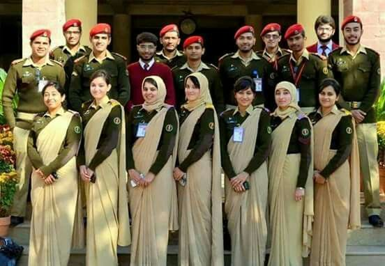 Pak Army Lady Pics: Doctors Of Pakistan Army