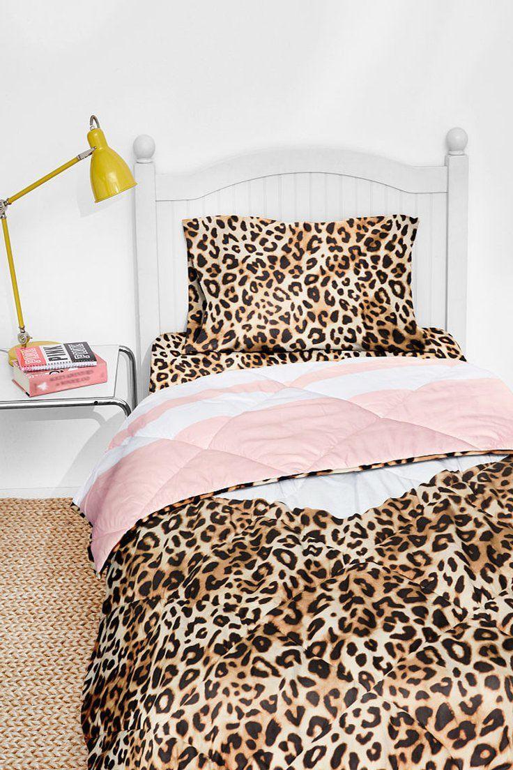 215 55 Victoria S Secret Pink Bed In A Bag Queen Comforter