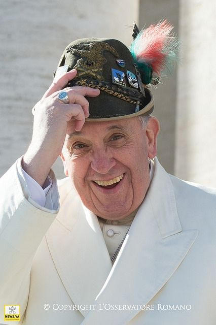 Pape François - Pope Francis - Papa Francesco - Papa Francisco - Great Pope and so down to earth~~