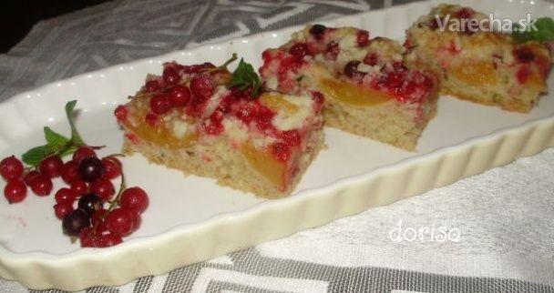 Cuketový koláč s ovocím (fotorecept)