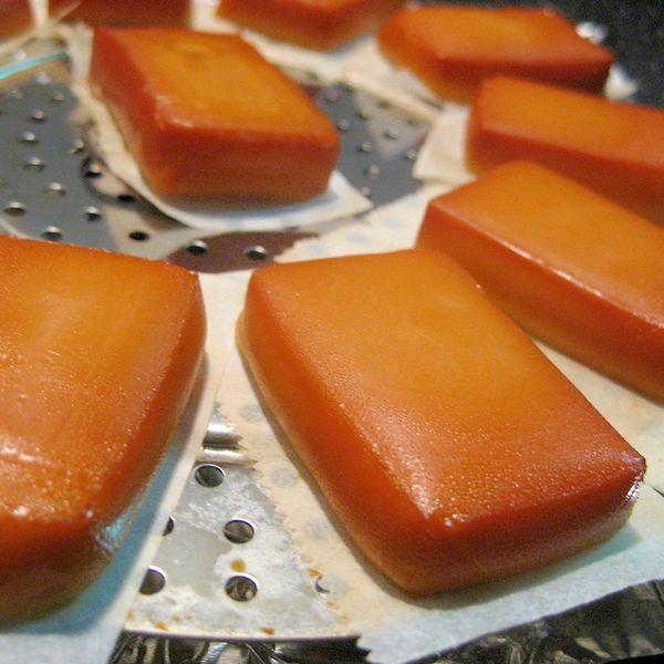 フライパンでできる♪自家製スモークチーズ レシピ・作り方
