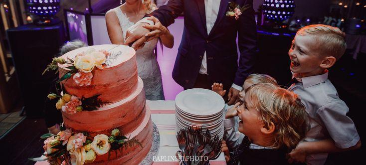 Tort w stylu rustykalnym, tort z kwiatami