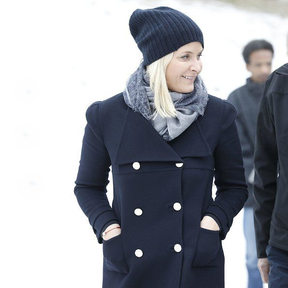 On February 15, 2017, Crown Prince Haakon and Crown Princess Mette-Marit of Norway visited Torshov Refugee Reception Centre (Torshov transittmottak) in Oslo, Norway. The Torshov Refugee Reception Centre in Oslo is a transit center for refugees and asylum seekers run by the Norwegian People's Aid.