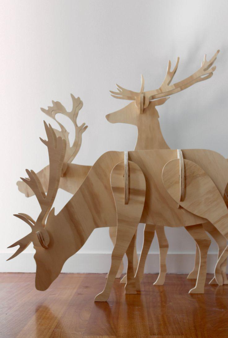 Reindeers-3.jpg 3,293×4,884 pixels