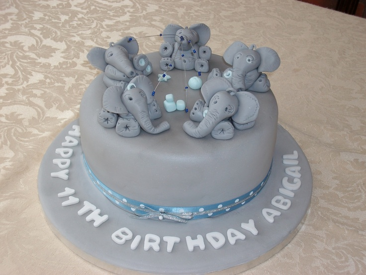 Elephant cake for a eleventh birthday.   My 3rd cake.