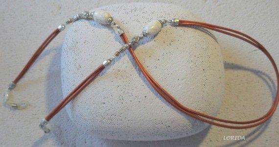 cordon lunettes bijou cuir cuivré , perles 1/2 prec , argent tibetain