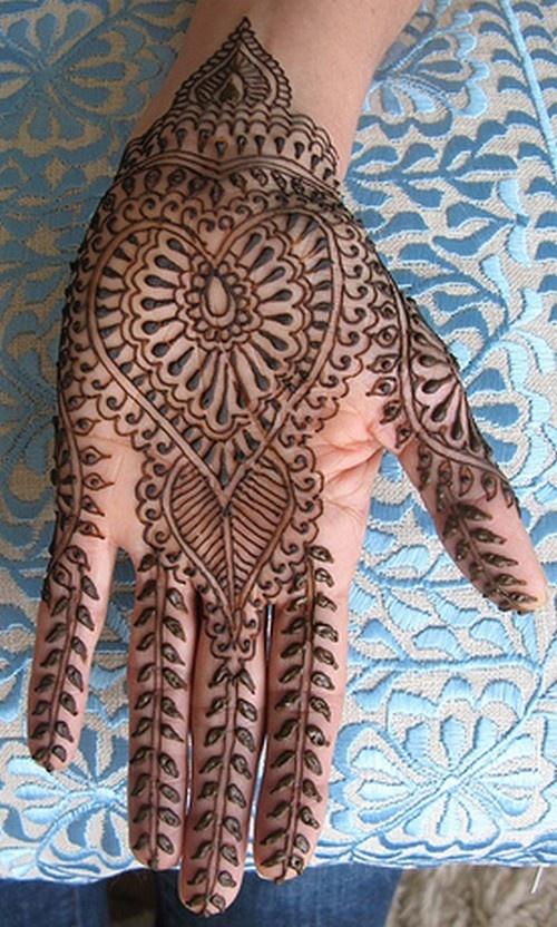 Henna - heart Mehndi design