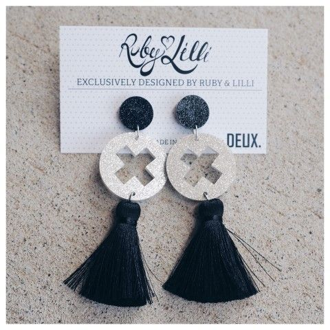 RUBY & LILLI + DEUX. COLLABORATION  Exclusively designed by Ruby & Lilli for #RubyAndLilliLovers and lovingly handmade in Australia by DEUX.  Ruby & Lilli and DEUX. are both Australian #GirlBoss Designers bringing Limited Edition Luxury products to the women of Australia. These gorgeous earrings are an EXCLUSIVE design dreamed up by Ruby & Lilli and made real (by hand with love) by DEUX.  R&L + DEUX. Black Cut-Out Earrings