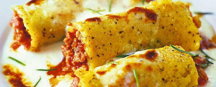 Cannelloni+polenta+farciti+ragù+carne+macinata+aromatizzata+spumante