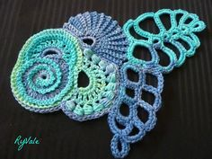 scrumbles | Alors voilà, quelques scrumbles pour commencer. Feeeform crochet. Wonderful color work.