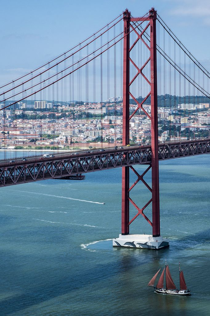 Ponte de 25 Abril, Lisboa, Portugal 2278 m long, crossing the River Tejo two Levels; one for cars and one for trains