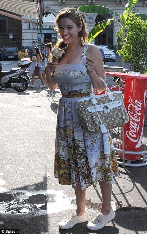 Kelly Brook gorgeous vintage style summer dress