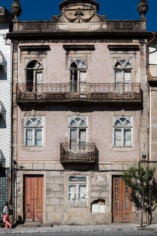 Braga | Largo da Senhora-A-Branca, n.º 38 [© Libório Manuel Silva] #Azulejo #AzInfinitum #ILoveBraga