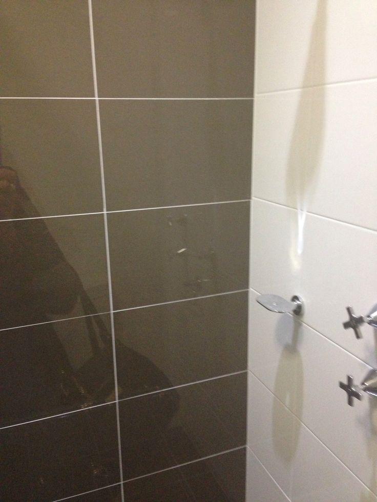 Mocha feature wall in shower Bathroom Pinterest Walls - luxusbad whirlpool