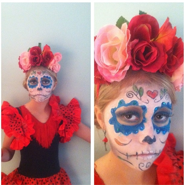 Pretty and scary at the same time. Dia de los Muertos makeup. Spanish dancer costume.