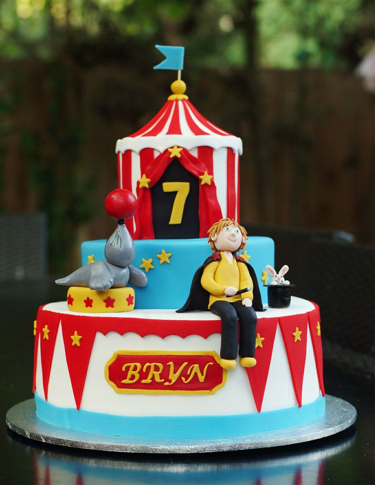 birthday cake with a circus tent circus seal with a ball on its nose & 27 best Cakes Made By My Very Clever Friends! images on Pinterest ...