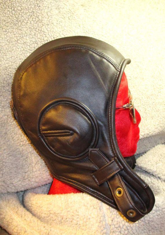 Sombrero de aviador retro en piel de cordero marrón oscuro