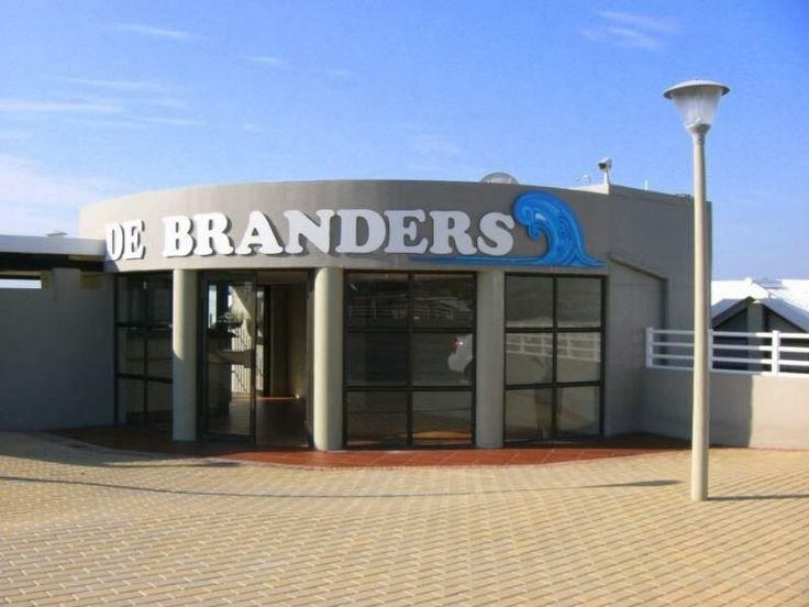 De Branders - De Branders is a self-catering apartment overlooking the Hartenbos beach. Only a short drive away for a nice day outing visitors can go to George and Knysna or enjoy a nice lunch at the harbour.This Apartment ... #weekendgetaways #hartenbos #gardenroute #southafrica