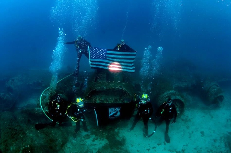 Navy divers assigned to mobile diving and salvage unit 2 for Naval diving unit