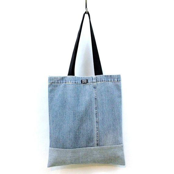 Borsa in denim di jeans riciclati blu chiaro