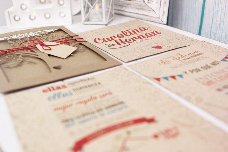 tarjeta de matrimonio rustica con corte laser y cierre con cordón
