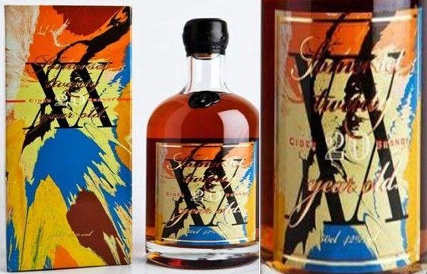 Бутылка бренди от Дэмьена Херста (Damien Hirst)  Великие художники последних столетий всегда были на службе у большого бизнеса. К примеру, Амадео Модильяни почти сто лет назад разработал дизайн для флакона духов. А Дэмьен Херст (Damien Hirst) совсем недавно создал дизайн для бутылок бренди Somerset Cider, которые будут произведены ограниченным выпуском.    алкоголь, упаковка, Damien Hirst