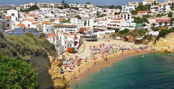 Get to know Carvoeiro Beach Algarve Touristic Guide  in #lagoa, #Algarve | #Portugal http://goo.gl/8bi7sz
