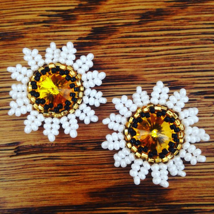 Swarovski rivoli seedbeads flower earrings