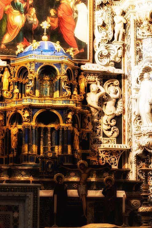 https://flic.kr/p/N1ExSM | Senza pricipio | ... E' pressapoco lo stesso per le chiese ove si vede sorpassato anche anche l'amore per il lusso dei gesuiti; ma non per un principio e con un'intenzione, ma così a caso, secondo che il lavoratore scultore, cesellatore, doratore verniciatore e marmoraio, ha voluto, in certe parti, mettere in opera quel che sapeva fare, senza gusto e senza direzione. Goethe - Viaggio in Italia Palermo - Viaggio Sicilia 2016