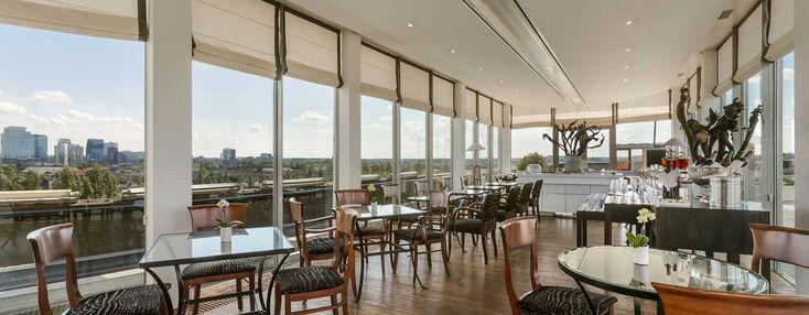 Gasten die in Executive kamers en suites verblijven, verkrijgen toegang tot de Executive lounge op de bovenste verdieping van het Hilton Amsterdam hotel. Maak gebruik van privé in- en uitchecken en een gratis continentaal ontbijt.