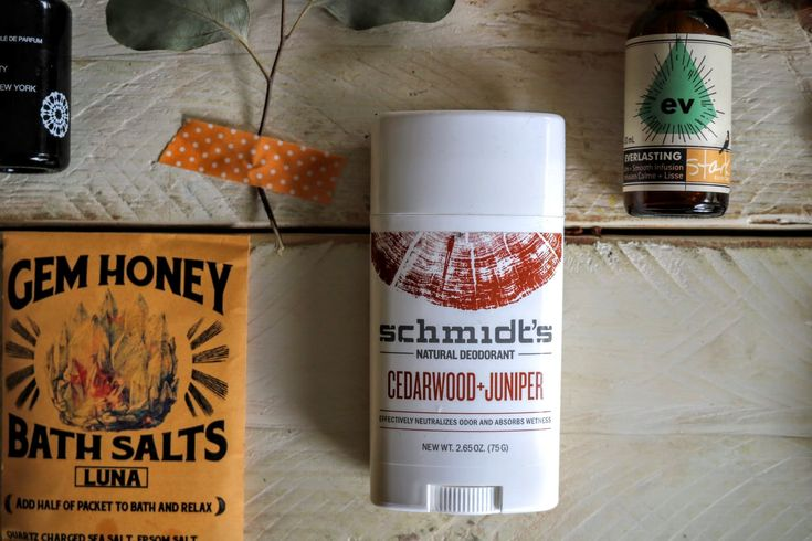…Continued from yesterday's Fall's beauty picks post.  Schmidt's Natural Deodorant in Cedarwood + Juniper, $8.99 For the record, Schmidt's Natural Deodorant rank…