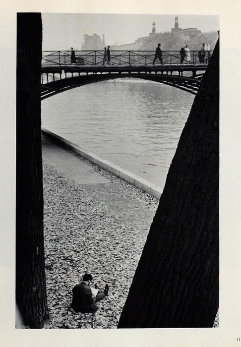 "Andre Kertesz (Image taken from ""Andre Kertesz: J'aime Paris, Photographs Since the Twenties,"" New York: Grossman, 1974)"