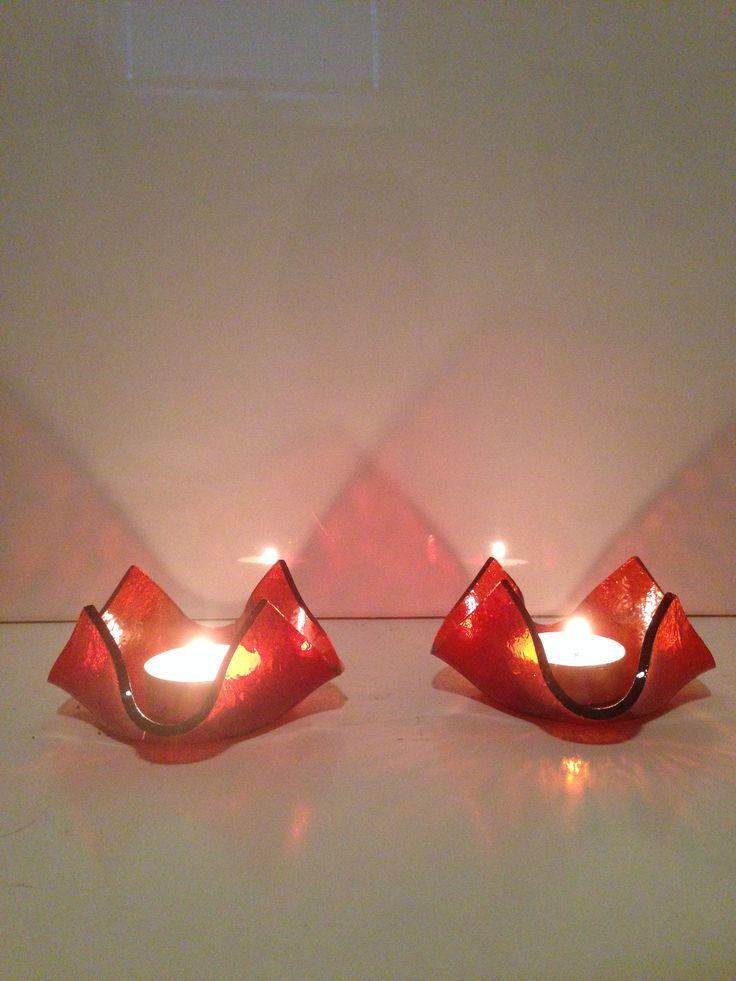 Röda glaslyktor
