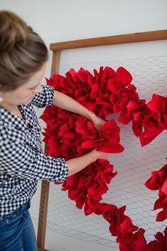 DIY Decoração de chá da noiva com coração em tela   DIY Bridal shower decoration with heart