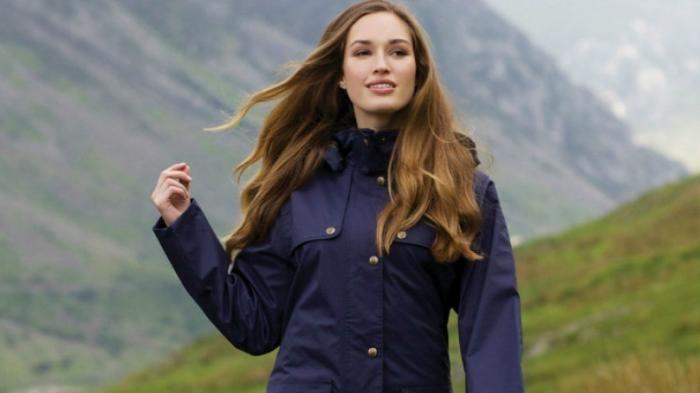 Kostum Penghangat Wanita - Kamu Suka Mendaki Gunung, Girls? Wajib Miliki Jaket…