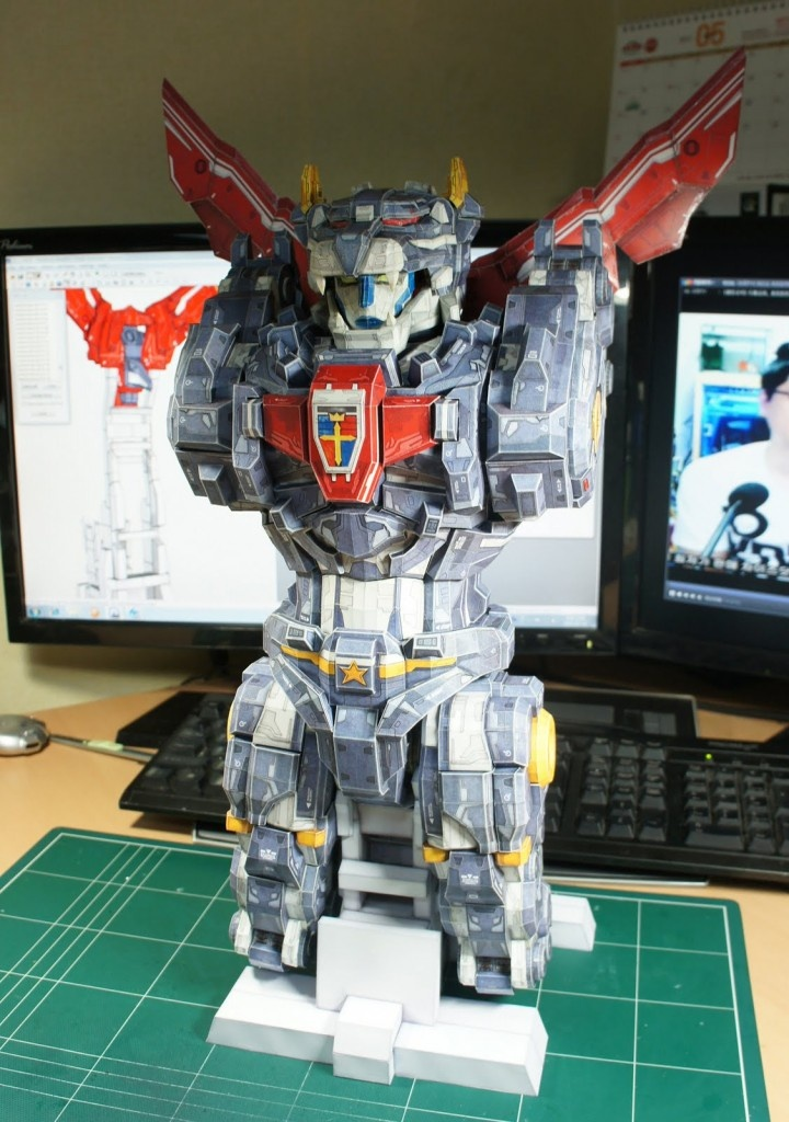Geek Art Awesome VOLTRON Paper Model Also Transforms