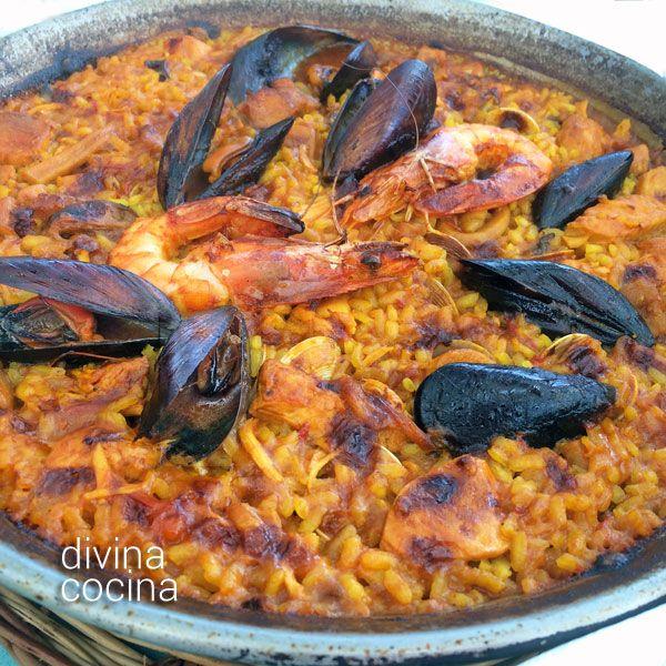 Esta receta de paella marinera es mi versión personal del arroz con mariscos con el que celebramos muchos domingos en compañía.