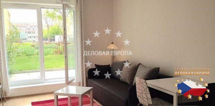 Квартиры / 1-комн. / 1+КК, Прага, U Slovanky, 120 000 € http://portal-eu.ru/kvartiry/1-komn/1KK/realty535/  Предлагается на продажу квартира 1+КК площадью 55 кв.м с террасой в районе Прага 8 – Либень стоимостью 120 000 евро. Квартира расположена на первом этаже семиэтажной новостройки 2012 года и состоит из гостиной с кухней, ванной комнаты с душевой кабиной и прихожей. На полах ламинат и плитка. Установлены пластиковые окна. За домом есть небольшой задний двор. К квартире также прилагается…