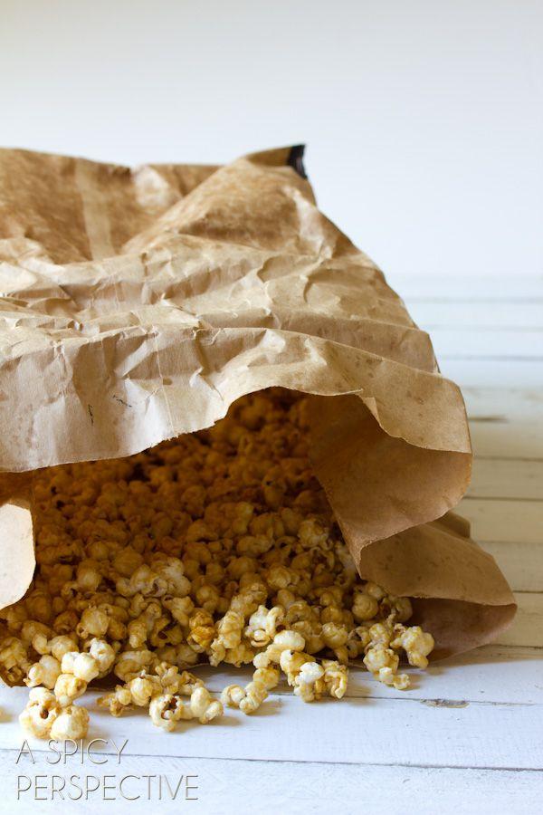 {Copycat} Garretts Popcorn - Caramel Popcorn Recipe | A Spicy Perspective