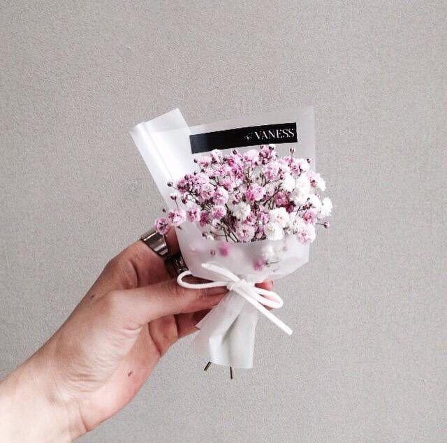 24 best mini bouquet images on Pinterest | Flower arrangements ...