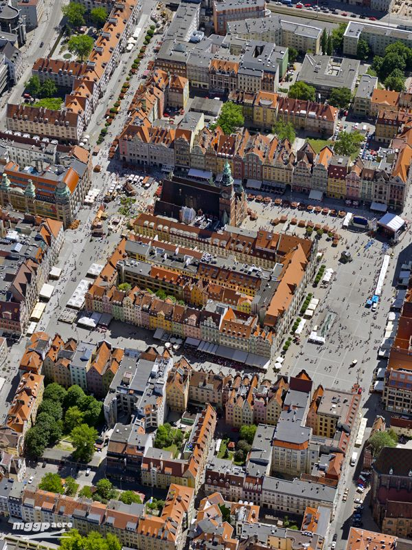 "Market Square, Wrocław, Poland, 51°06'36.2""N 17°01'55.6""E"