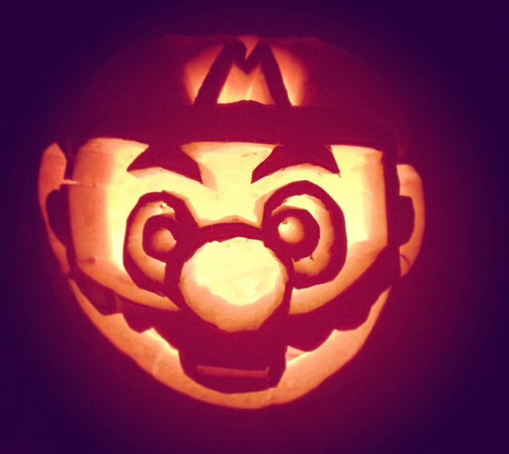 Halloween pumpkin carving Super Mario