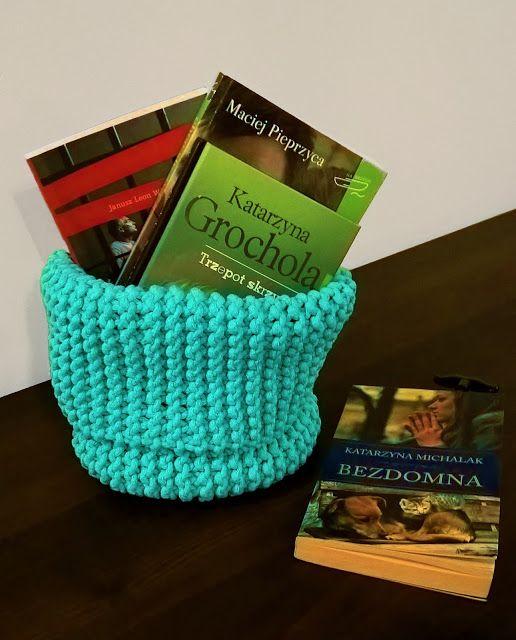 Szydełkowe Impresje: Miętowy kosz / Minty basket  #crochet #handmade #diy #rękodzieło #minty #szydełkowanie #kosz #pink #bawełnianysznurek #cottoncord #knniting #druty #szydełko #mięta #róż #rug #carpet #4home #mylovelyhome #withpassion #4babies #scandi #scandinavianstyle #decor #decorating #roznosci #white #carnation #flowers #books #wisniewskileonjanusz #grocholokatarzyna #papierzyca