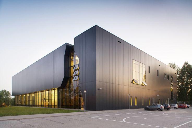 Sports And Show Hall Na Skarpie // Maćków Pracownia Projektowa // Bytom, Poland